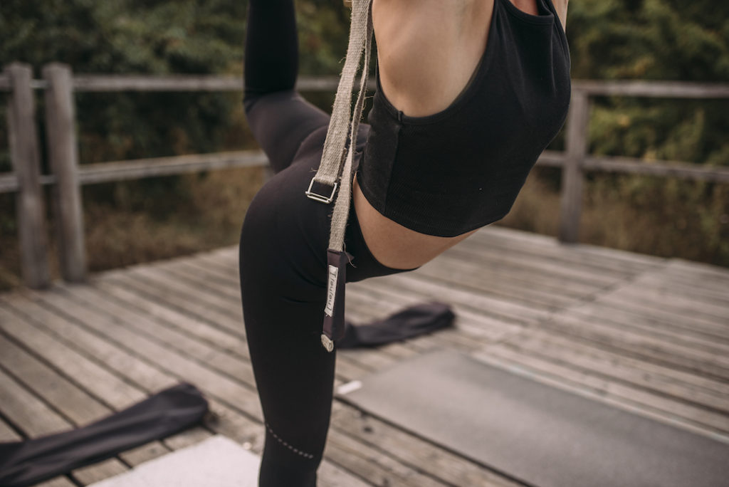detachable yoga strap can be used during the yoga practice